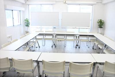 ロの字型スタイル 大型20名(新宿 大久保 貸し会議室 ソレイユ新宿)