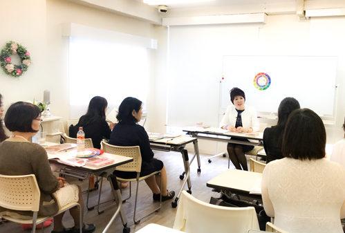 新宿 大久保 貸し会議室ソレイユ新宿 (女性向けセミナー会場としてご利用風景)